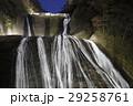 紅葉に彩られた袋田の滝(ライトアップ) 29258761