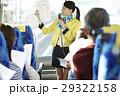 女性 バスツアー バスガイドの写真 29322158