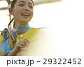 女性 笑顔 陽射しの写真 29322452
