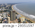ベトナム ブンタウの街中とバックビーチ 29351597