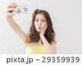 携帯電話 スマートフォン 自撮りの写真 29359939