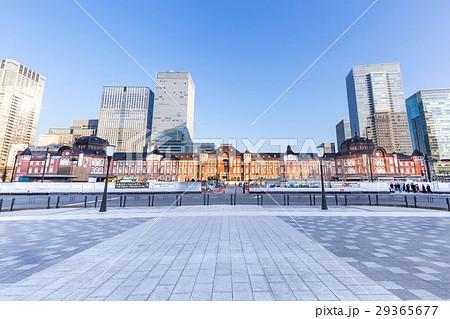 夕日を浴びる東京駅駅舎全景2 29365677