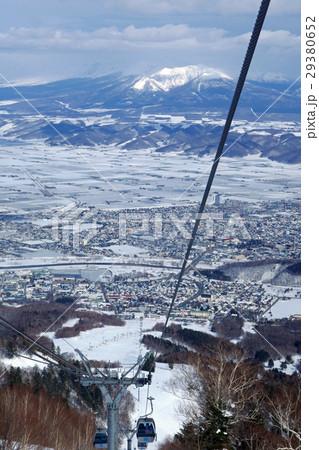 富良野スキー場 北の峰ゴンドラからの風景(2) 29380652