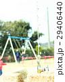 公園で遊ぶ家族 29406440