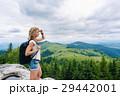 山 女性 ハイキングの写真 29442001