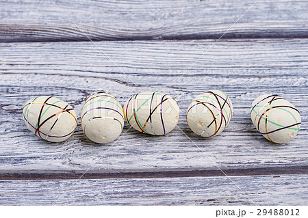 Polystyrene eggs, gray wood background.の写真素材 [29488012] - PIXTA