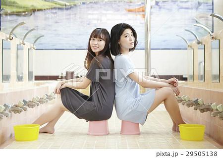 銭湯女子 入浴 洗い場 29505138