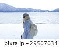 湖畔 冬 女性の写真 29507034