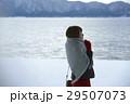 湖畔 冬 女性の写真 29507073