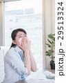 ビジネスウーマン デスクワーク 花粉症の写真 29513324