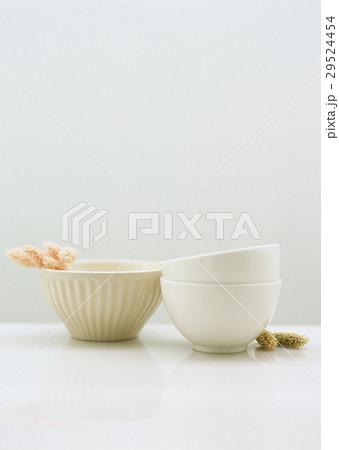 カフェオレボウルとドライフラワーの写真素材 [29524454] - PIXTA