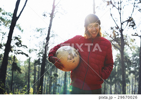 Guy Holding Globe Outdoors Conceptの写真素材 [29670026] - PIXTA