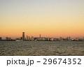 朝焼けの富士山とランドマークタワー 29674352