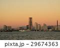 朝焼けの富士山とランドマークタワー 29674363
