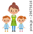 保育士と園児 29675616