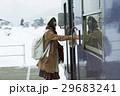 冬 女性 1人の写真 29683241