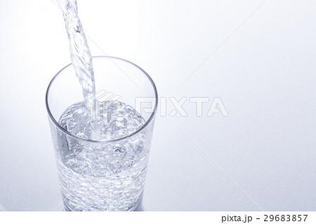 水を注ぐの写真素材 [29683857] - PIXTA