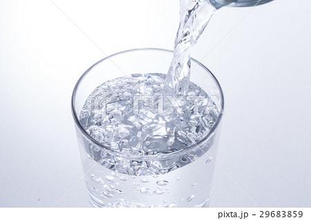 水を注ぐの写真素材 [29683859] - PIXTA