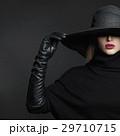 キャップ 帽子 女性の写真 29710715