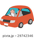 マイカーを運転する女性 29742346