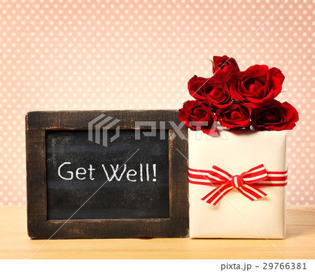 Get Well message with roses and present boxの写真素材 [29766381] - PIXTA
