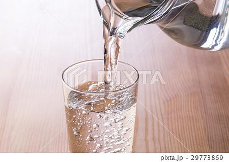 水を注ぐの写真素材 [29773869] - PIXTA