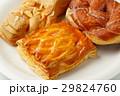 菓子パン 29824760
