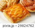 菓子パン 29824762