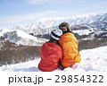 スキー場 寄り添うカップル 29854322