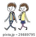 男の子と女の子:歩く 29889795