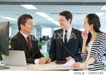グローバル ビジネス オフィス イメージ 29891166