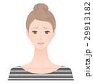 困り顔の女性 29913182