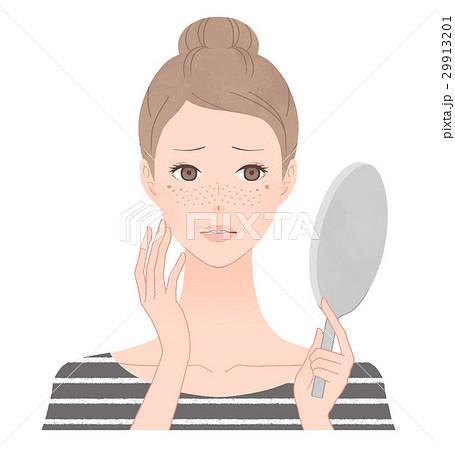 鏡を見て悩む女性 紫外線によるシミ&そばかす 29913201