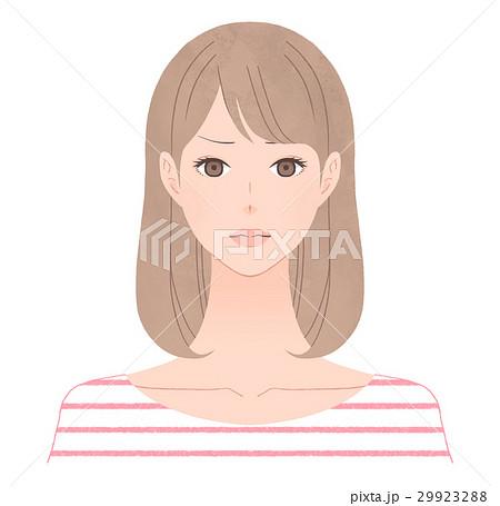 厳しい表情の女性 29923288