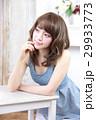 若い女性 ヘアスタイル 29933773
