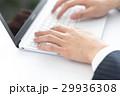 ビジネス タイピング ノートパソコンの写真 29936308