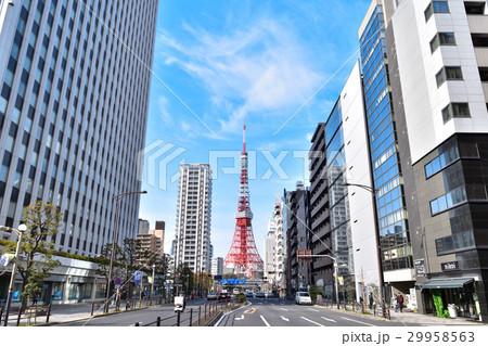 三田国際ビル前から見た東京タワ...