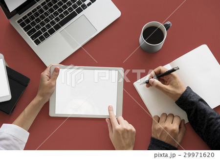 Writing Notes Tablet Laptop Technologyの写真素材 [29971620] - PIXTA