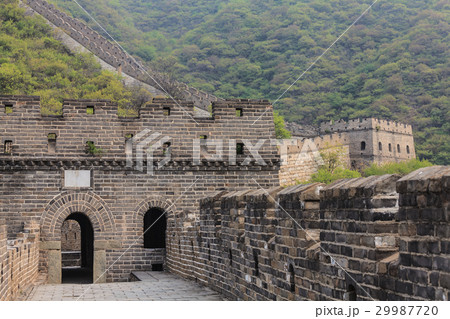 Entrance to watchtower of the Great Wall 29987720