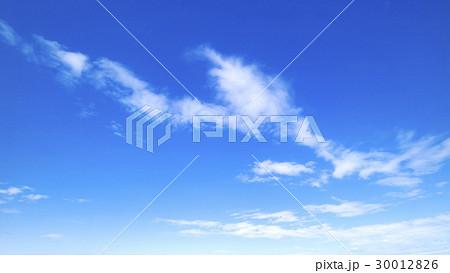 青空 空 雲 春の空 背景 背景素材 4月 コピースペース 30012826