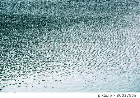 湖の波紋 30037958