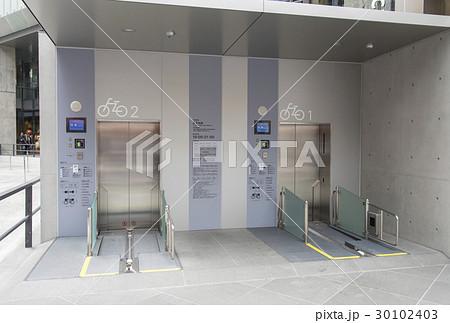 新設された銀座六丁目地下駐輪場(東京都中央区) 30102403