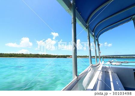船上から見たグアムの海 30103498