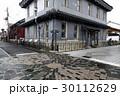 12月 冬の長浜の古い街並み 30112629
