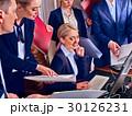 オフィス 職場 ビジネス人々の写真 30126231
