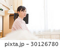 入院 患者 若い女性 30126780