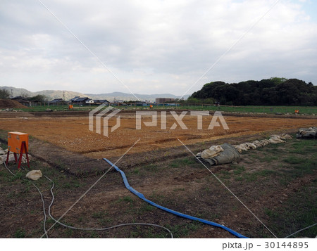 平城宮 東院庭園の発掘現場 全景 30144895