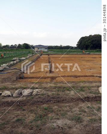 平城宮 東院庭園の発掘現場 30144898