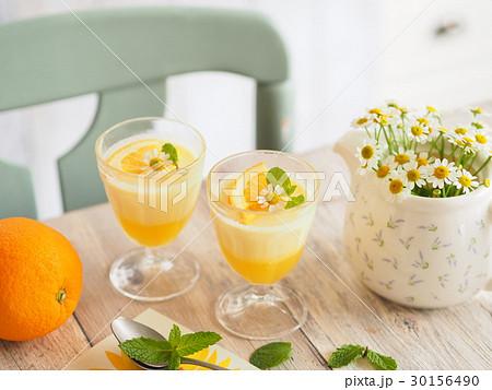 ひんやり美味しいオレンジゼリー 30156490