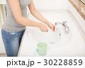 歯磨き粉と歯ブラシ 30228859